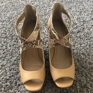 Jessica Simpson Shoes - Jessica Simpson tan/snake print wedge
